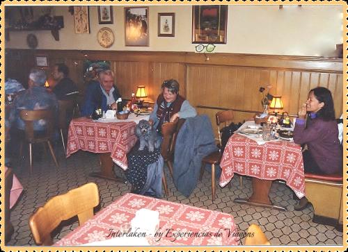 experiencias-de-viagens-Interlaken-suíça-restaurante