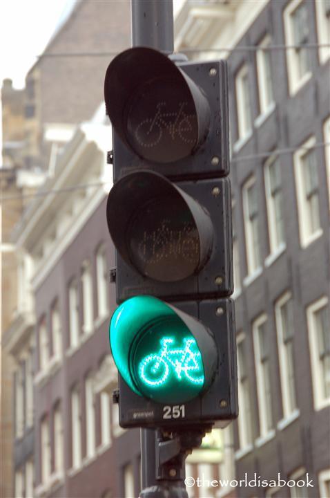 experiencias-de-viagens-amesterdam-bike-sign