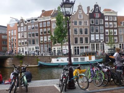 experiencias-de-viagens-amsterdam-canal-bikes