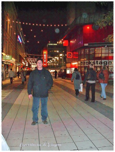 experiencias-de-viagens-stockholm-street-at-night