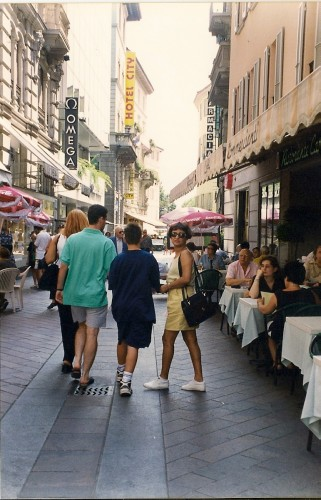experiencias-de-viagens-lugano-italia-cafe-piazza