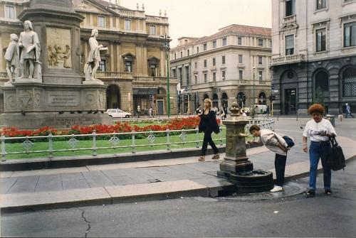 experiencias-de-viagens-milao-piazza-della-scala