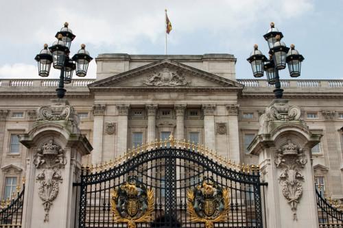 experiencias-de-viagens-london-buckingham-palace-portão