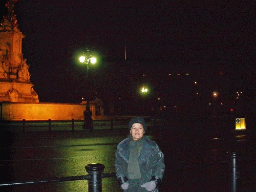 experiencias-de-viagens-londres-BUCKINGHAM PALACE-night