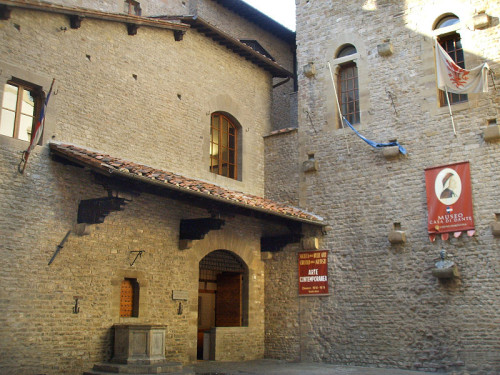 experiencias-de-viagens-florenca-italia-Casa-de-Danti-Alighieri