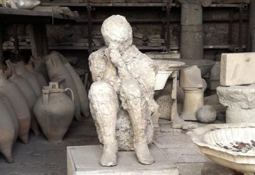experiencias-de-viagens-pompeia-italy-corpo