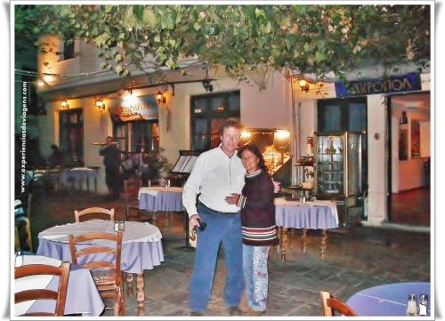 experiencias-de-viagens-atenas-at-night-restaurante