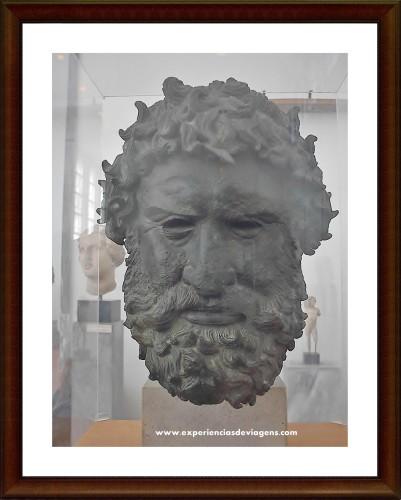 experiencias-de-viagens-athens-museum-Zeus-mitologia