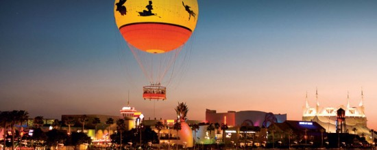 experiencias-de-viagens-downtown-disney-baloons