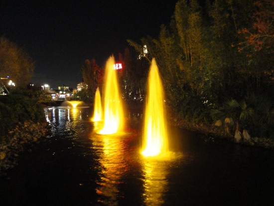 experiencias-de-viagens-downtown-disney-fountain
