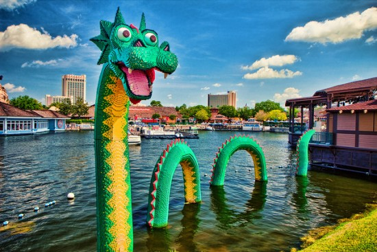 experiencias-de-viagens-downtown-disney-lego-dragon