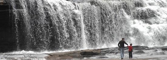 experiencias-de-viagens-north-carolina-asheville-waterfall