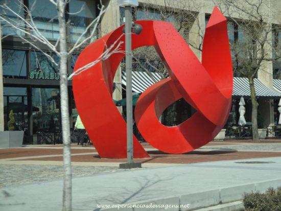 experiencias-de-viagens-baltimore-escultura