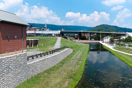experiencias-de-viagens-cumberland-terminus-of-the-chesapeake-and-ohio-canal-in-cumberland-wikipedia