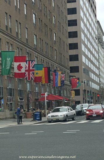 experiencias-de-viagens-dc-street-flags