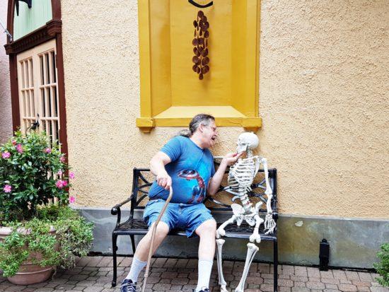 experiencias-de-viagens-kings-dominion-halloween-esqueleto