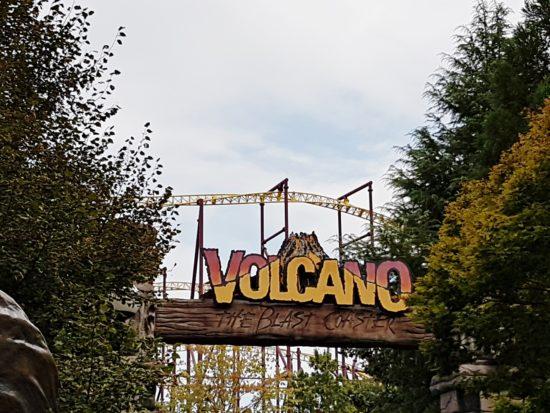 experiencias-de-viagens-kings-dominion-halloween-volcano