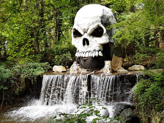 experiencias-de-viagens-kings-dominion-halloween-waterfall