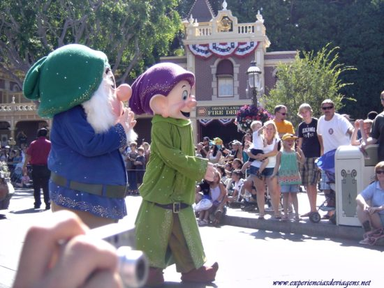 experiencias-de-viagens-california-disney-parade