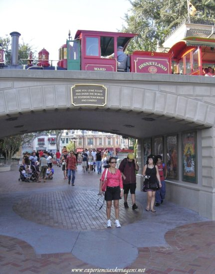 experiencias-de-viagens-california-disneyland-rail